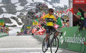 Bernal gana la séptima etapa y refuerza su liderato