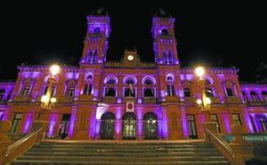 El Ayuntamiento de Donostia se iluminará de morado este domingo para visibilizar el síndrome de Dravet