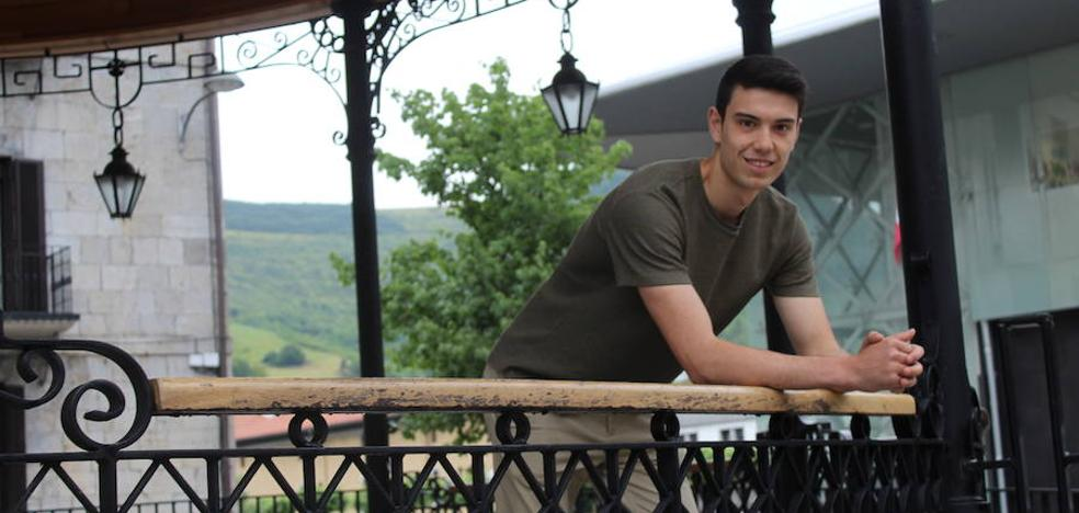 Julen Egiguren: «De pequeño me fijaba mucho en Aimar, ahora lo hago siempre en Altuna III»