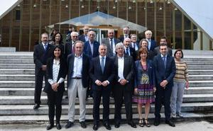 Urkullu pide a los universitarios que contribuyan a que nadie quede atrás en Euskadi