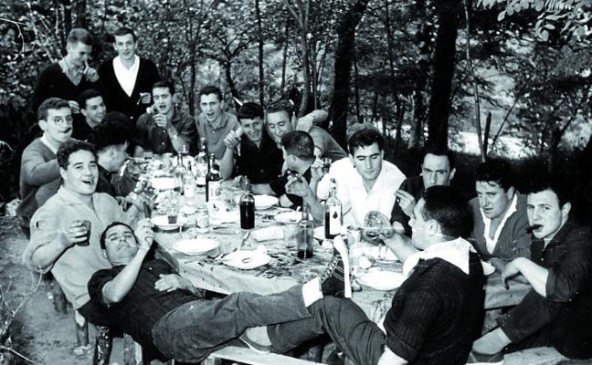 Urretxu celebra con una romería la llegada del solsticio de verano