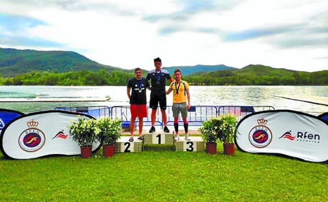 Pablo Etxeberria gana el campeonato de España en aguas abiertas