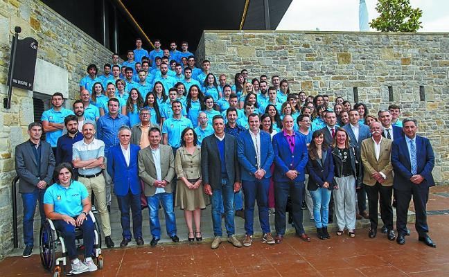 Fundación Miguel Induráin ha becado este año a 152 deportistas