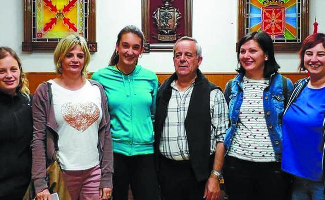 DONEZTEBE ENTREGA LOS PREMIOS DE SU RALLY DE FOTOS