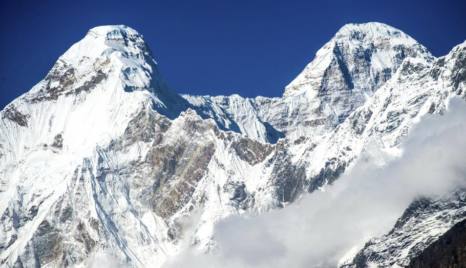 Rescatan cadáveres de siete escaladores en la segunda montaña más alta de la India