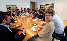 Optimismo de los grupos tras primera reunión para formar Gobierno en Navarra