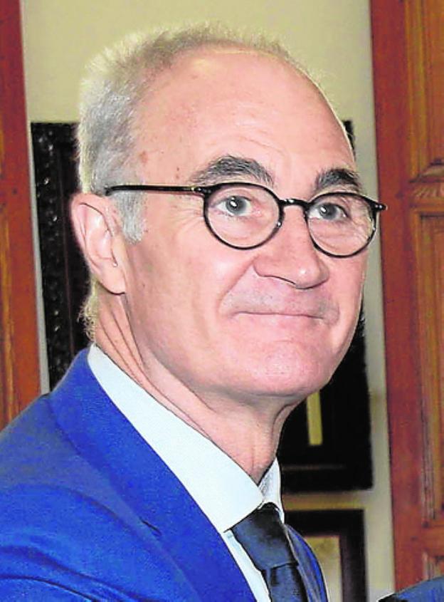 El doctor Ripoll, entre los cinco mejores traumatólogos de España