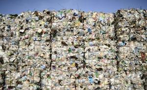 La Diputación apuesta por «un modelo económico basado en la reutilización en lugar del desperdicio»