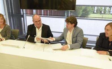 PNV y PSE cierran su acuerdo de gobierno en Gipuzkoa a falta de definir el reparto de poder