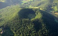 La increíble ermita catalana que está en el cráter de un volcán