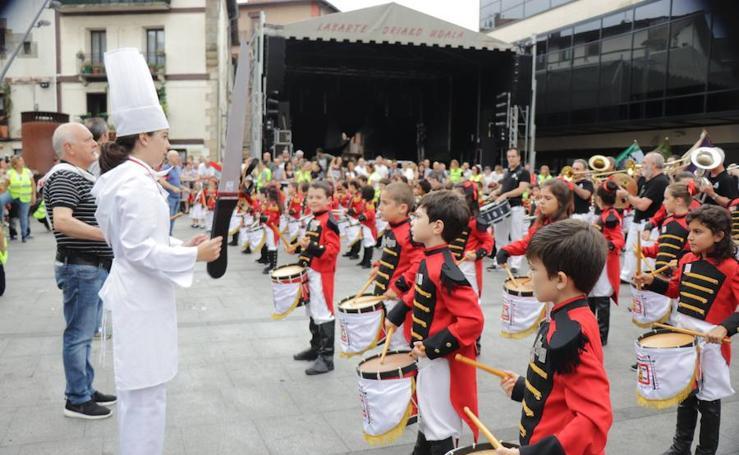 Los niños de Lasarte-Oria celebraron su día a lo grande