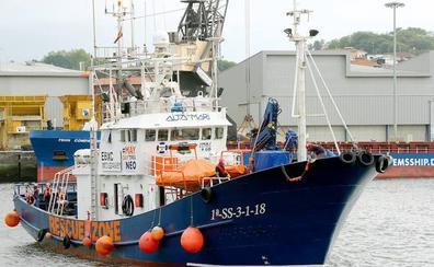 El 'Aita Mari' vuelve a Pasaia para denunciar su bloqueo