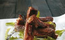 Receta de costillas de cerdo con salsa de perejil de Martín Berasategui