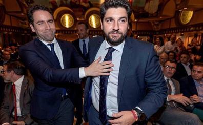 García Egea acusa a los de Abascal de romper un pacto