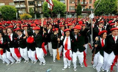 El Alarde público valora la «participación histórica» en el desfile de este año