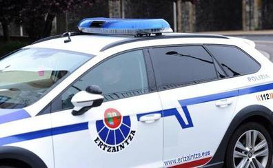 Tres detenidos en San Sebastián tras 'marcar' con pegamento viviendas en las que robar