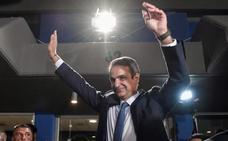 El conservador Mitsotakis conquista la mayoría absoluta en Grecia