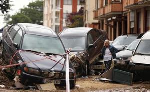 «Menos mal que no metí el coche al garaje porque el agua lo ha inundado hasta el techo»