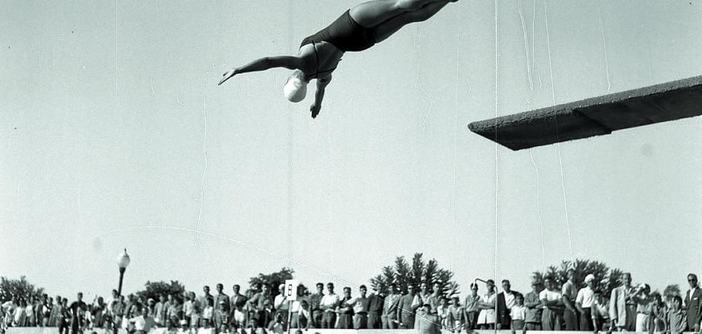 1954 | «¡La más gigantesca sinfonía de agua, luz, música y color!»