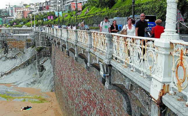 Una fundición portuguesa fabricará la barandilla de La Concha a partir de septiembre