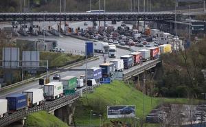 El Gobierno Vasco estudia cómo frenar los picos de polución por el tráfico viario