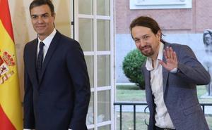 La coalición de PSOE y Podemos tiene más respaldo que un gobierno socialista en solitario