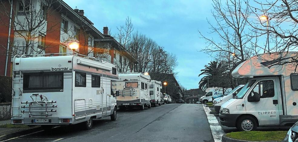 Asociaciones de hosteleros piden que las autocaravanas aparquen en campings