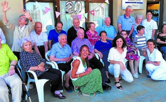 El centro de día Loinatz celebra sus veinte años