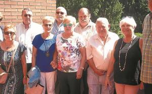 Eduardo Blanco izó la bandera de fiestas en el club de los jubilados