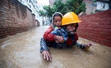 Al menos 18 muertos y 900.000 afectados por las lluvias en Nepal