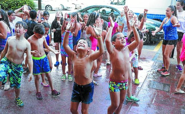 Los txokos de Ttakun celebran su encierro