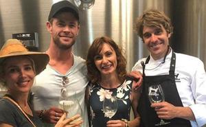 Elsa Pataky celebra su cumpleaños en la bodega Katxiña de Orio junto a su marido, Chris Hemsworth