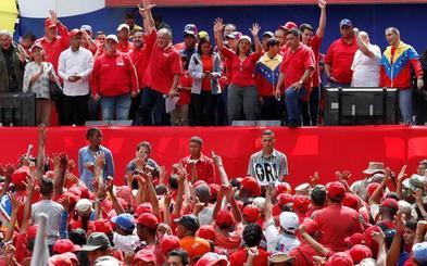 El chavismo sale a las calles para clamar contra Bachelet