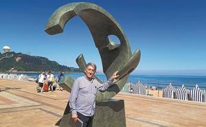 El surf ya tiene su escultura