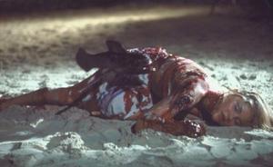 Piraña II, la película que avergüenza a James Cameron