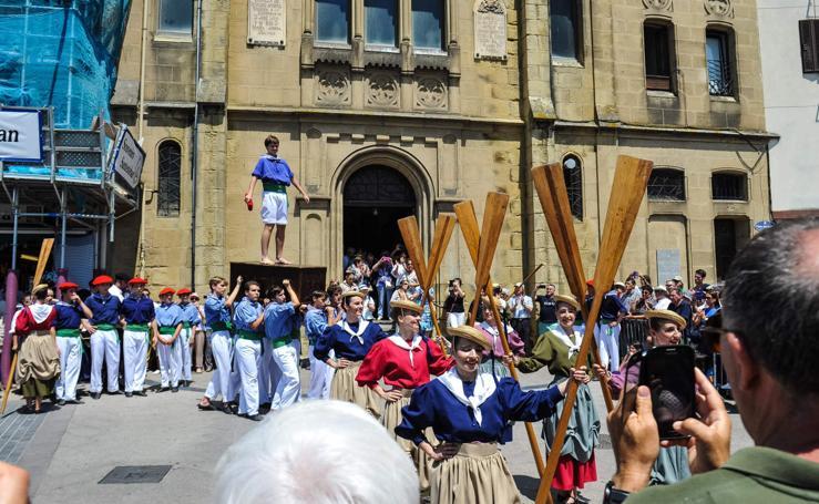 Los arrantzales honran a la Virgen del Carmen