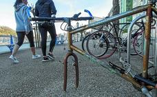 El Ayuntamiento ha localizado este año 632 bicicletas abandonadas en la calle