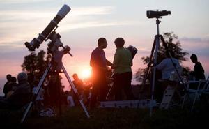 Ilargi eklipsea eta Apollo XI misioaren urteurrena, egun berean