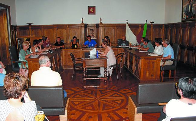 El primer pleno de esta legislatura decidió los representantes de las comisiones informativas