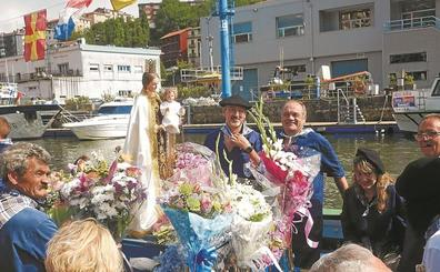 La Virgen del Carmen regresó ayer al mar