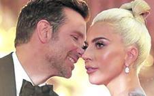 Lady Gaga ya vive con Bradley Cooper