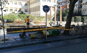 Una furgoneta se queda «sin frenos» y cae cuesta abajo más de 100 metros en el Antiguo