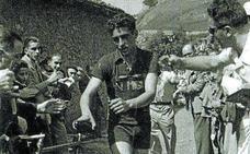 Cuando Loroño ganó la Subida a Arantzazu, descabalgado de la bici