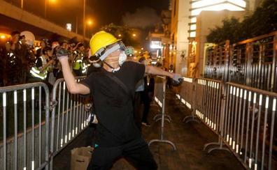 Violentos enfrentamientos en el corazón de Hong Kong