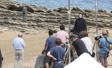 Woody Allen conquista la playa de Itzurun