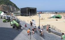 El Jazzaldia levanta sus escenarios para abrir este miércoles en la playa la edición más 'caliente'