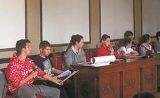 El ayuntamiento concederá ayudas a las familias para comprar material escolar