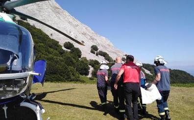 Rescatan a una montañera con una pierna rota en el Anboto