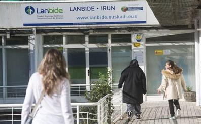 Gipuzkoa vuelve a ganar empleo en julio frente a la caída en el resto de Euskadi