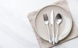 Normas de cortesía y buenos modales en la mesa